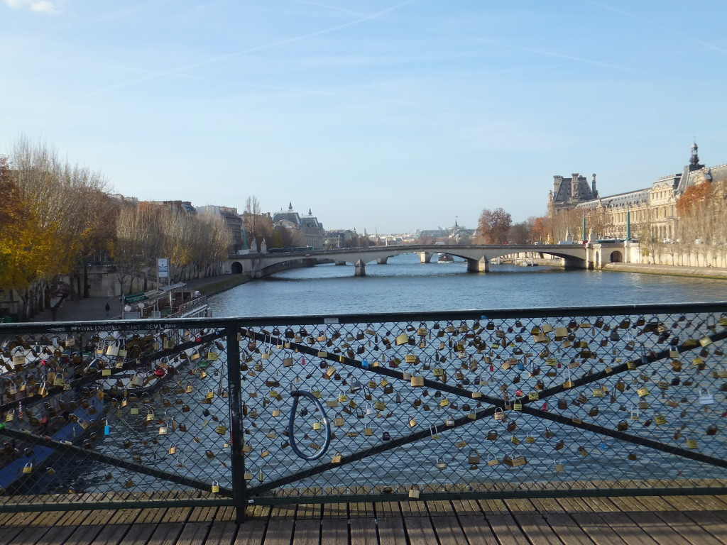 Love locks on the Seine