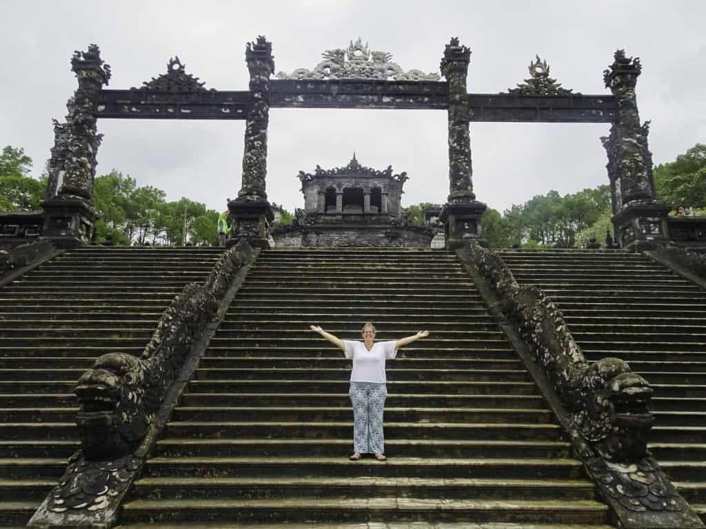 Hue tomb