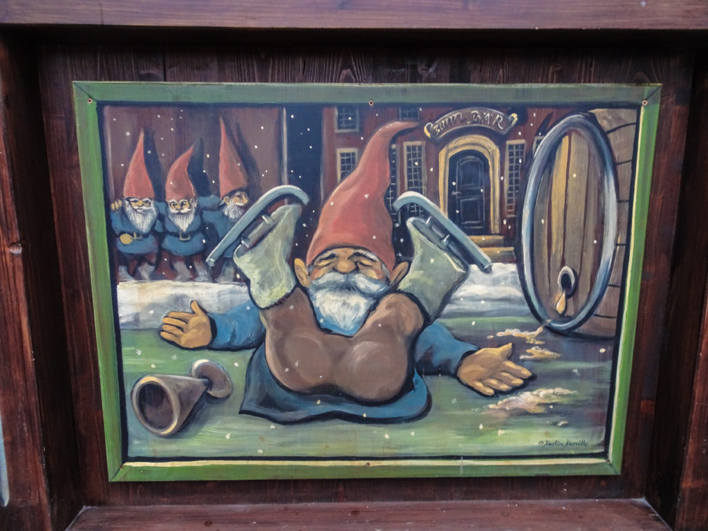 gnome painted on a gluhwein stand